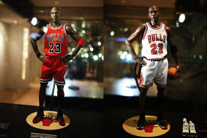 Enterbay Michael Jordan #23 Road 1:6 Toy Figure