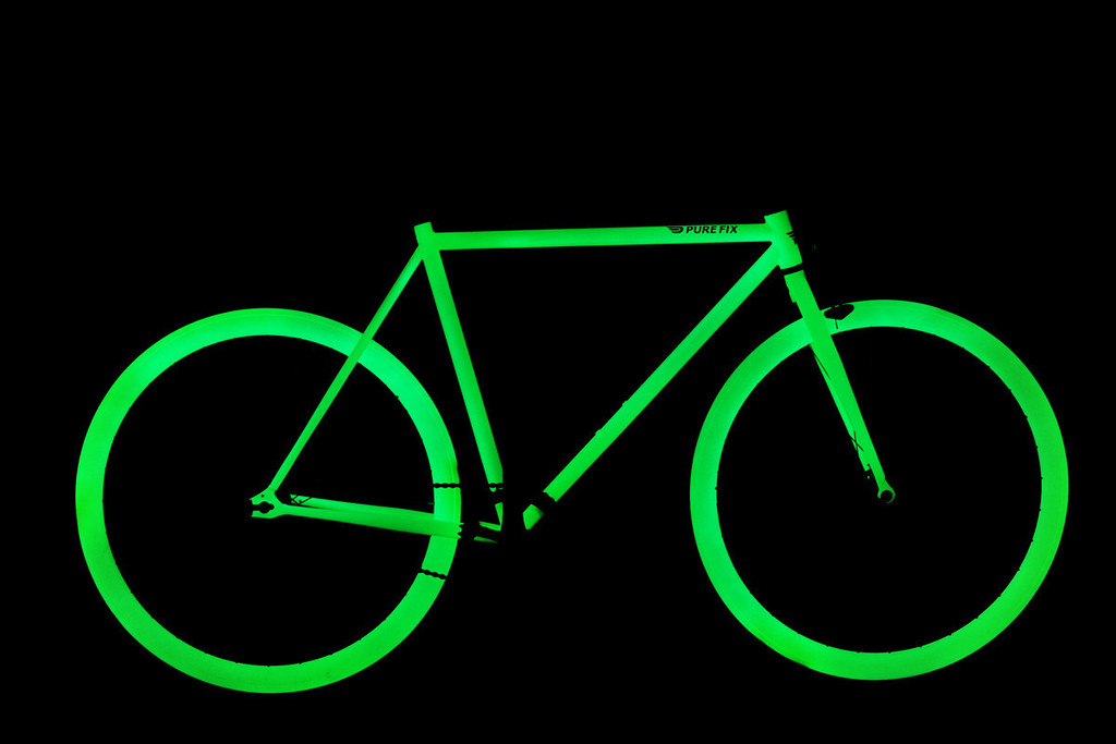 pure fix glow bikes yes they glow in the dark. Black Bedroom Furniture Sets. Home Design Ideas