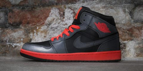 air-jordan-1-mid-infrared
