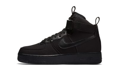 nike triple black air force 1