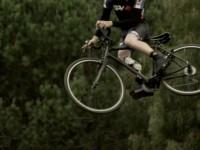 Whip on A Roadie, Dirt jump