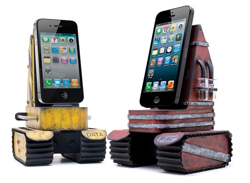 CUSTOM IPHONE TANK CHARGER