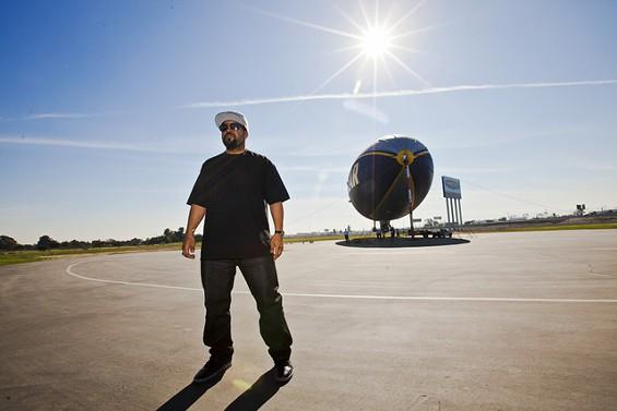 Ice Cube Goodyear blimp 4