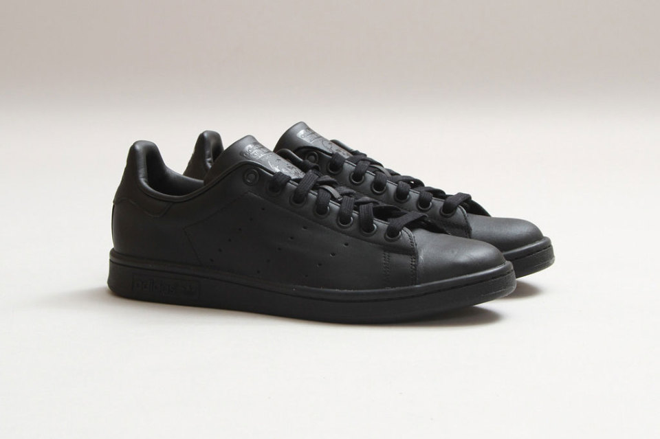 adidas-stan-smith-black-black