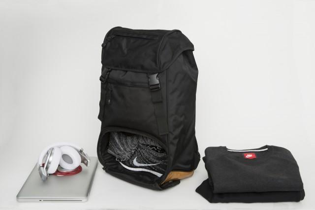 flud-x-mayor-sneaker-tech-lifestyle-backpack-2