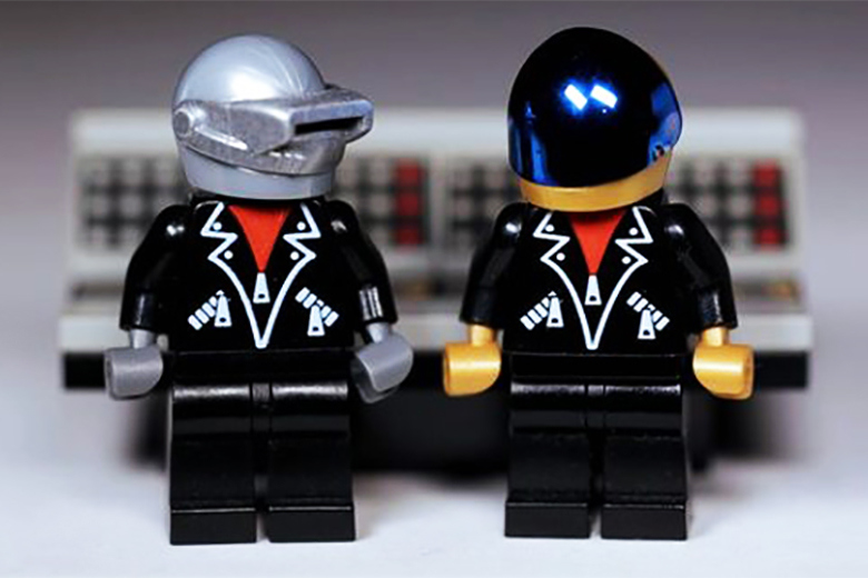 lego-daft-punk-pieces