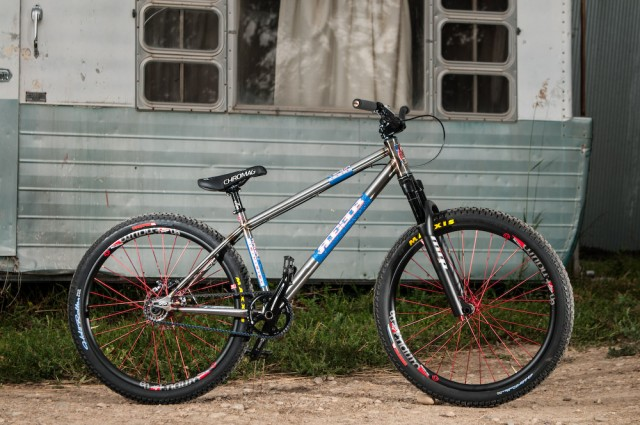 destroyer-5 Reeb cycles
