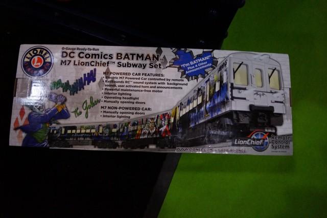 Lionel Trains Batman Subway Set (2)