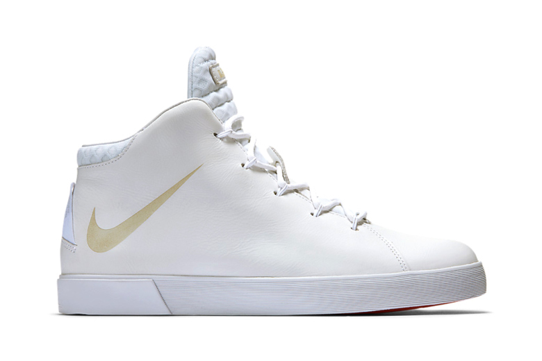 timeless design cba31 8ce59 Nike LeBron 12 NSW Lifestyle – White – Sneakers