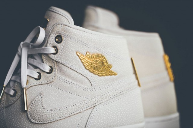 air-jordan-1-pinnacle-with-24k-gold-detailing-02