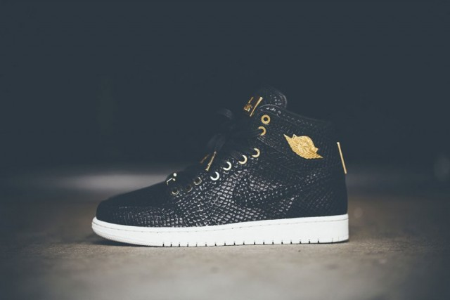 air-jordan-1-pinnacle-with-24k-gold-detailing-04