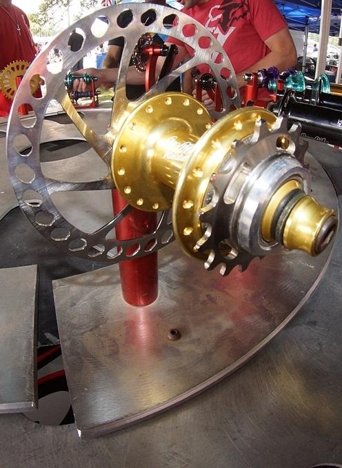 Profile racing, disc brake hub