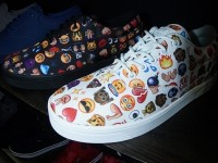 Vlado Footwear . emoticon