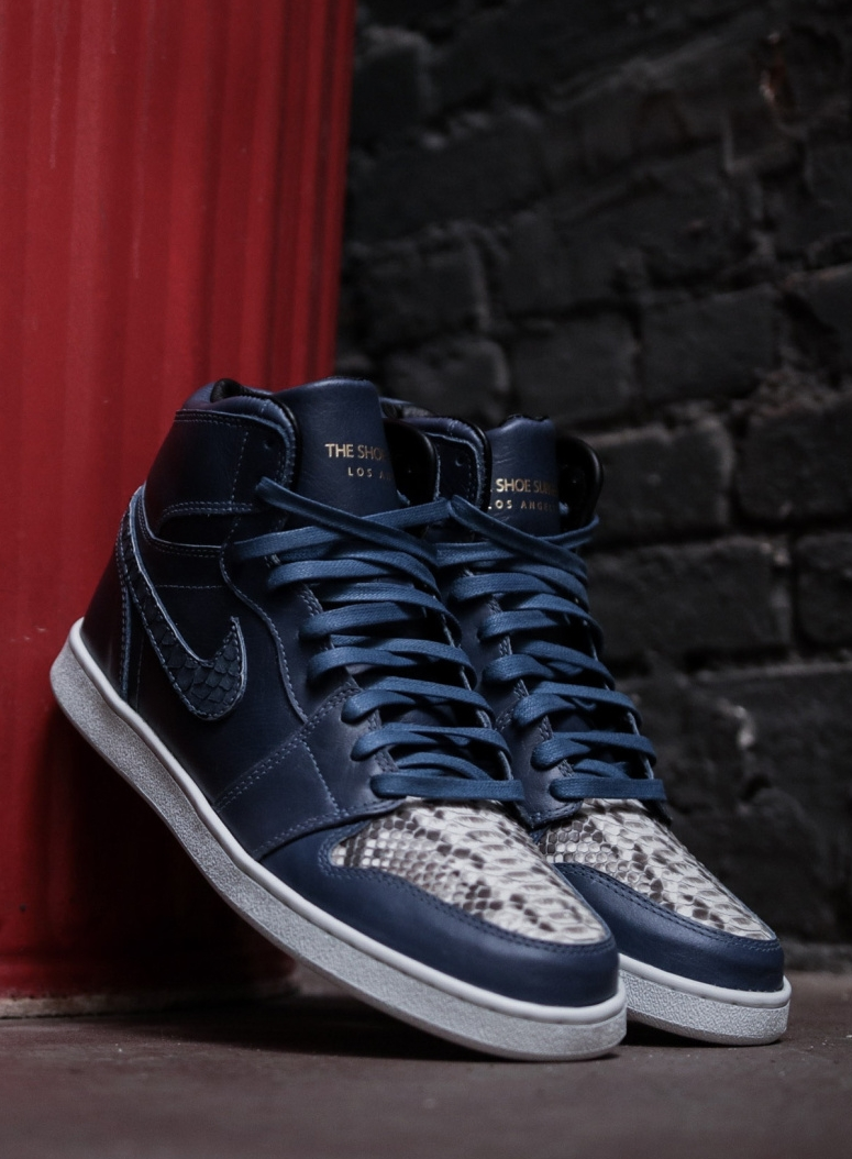 air-jordan-1-blue-horween main