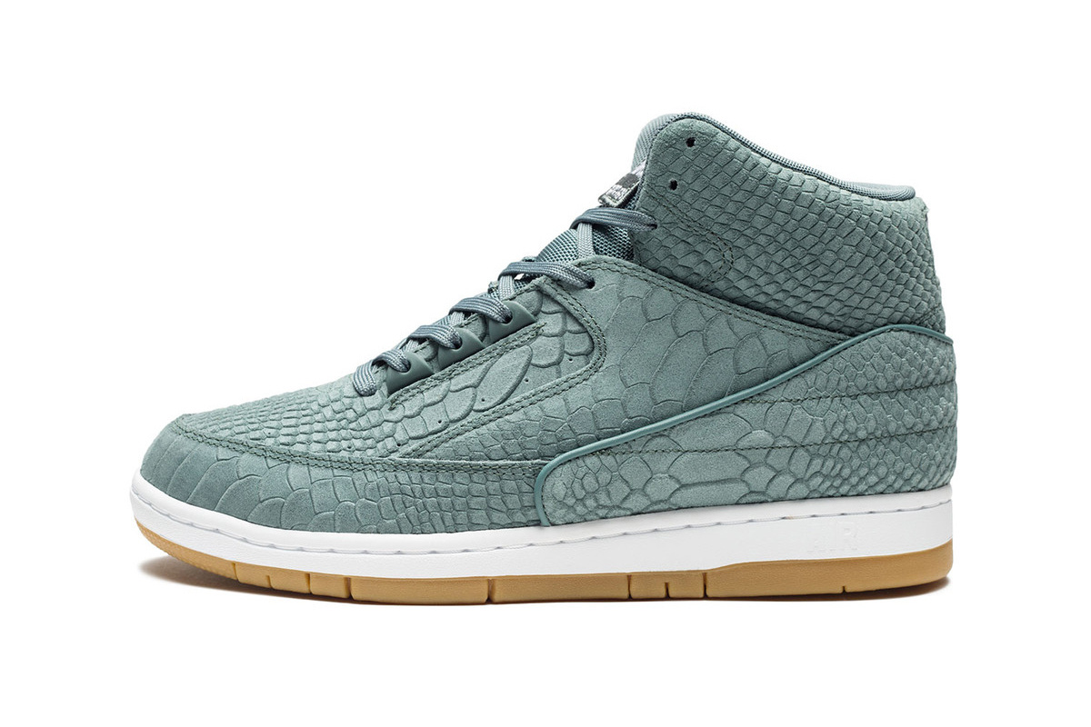 nike-air-python-prm-hasta-green