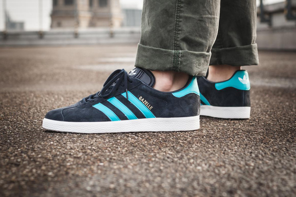 adidas-gazelle blue side