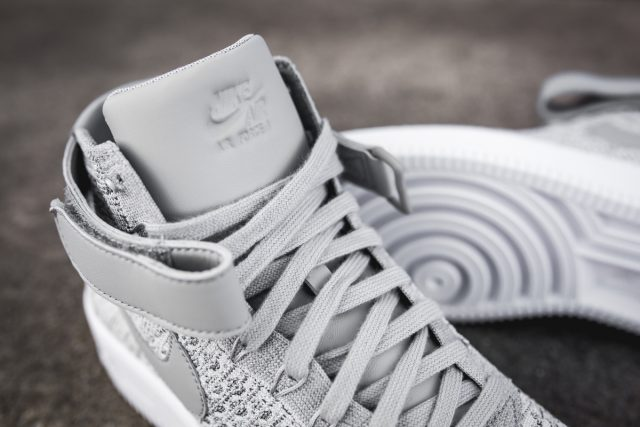 wolf-grey-nike-air-force-1-ultra-flyknit-mid 3
