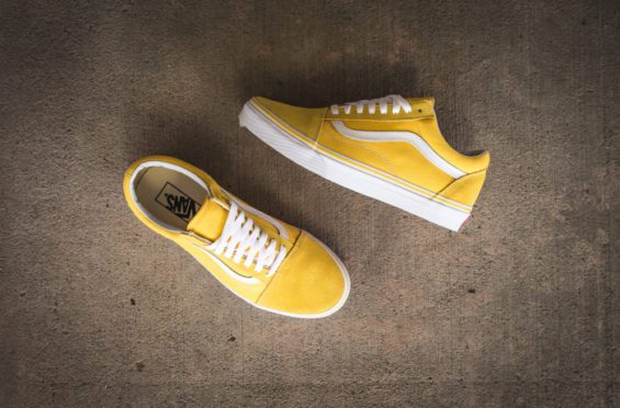 Vans-Old-Skool-yellow top 2