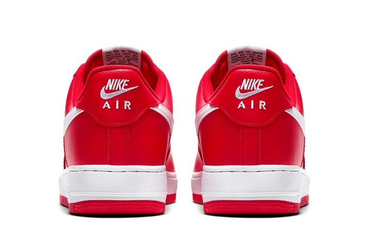 Nike AF1 Mini Swoosh University Red heel