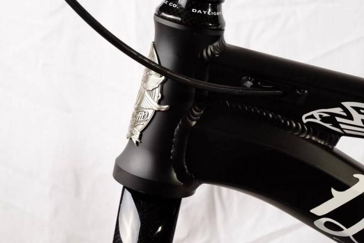 Daylight Arc C1 Black Tie head tube