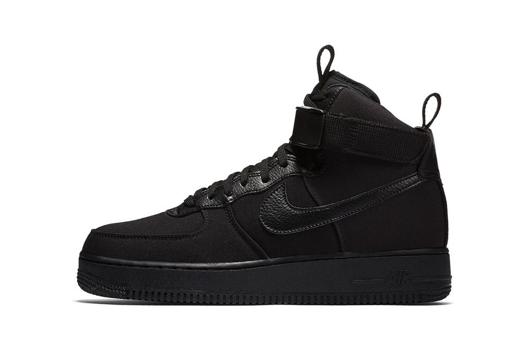 nike triple black air force 1