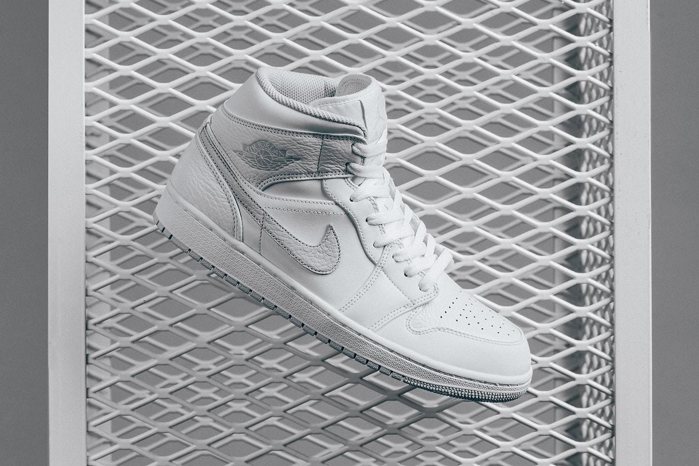 air-jordan-1-mid-white-pure-platinum sneakers