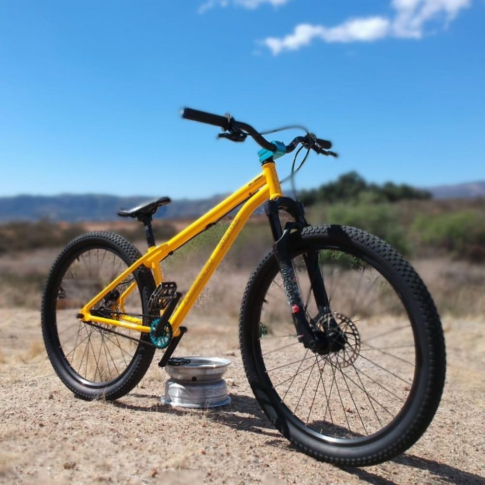 Legend Bike Co Former Pro 26 dirt jumper