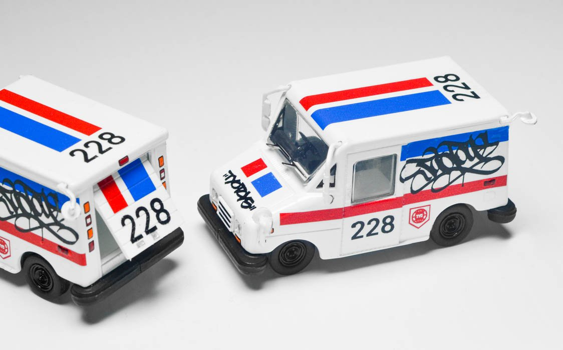 TYOToys postage delivery van 2