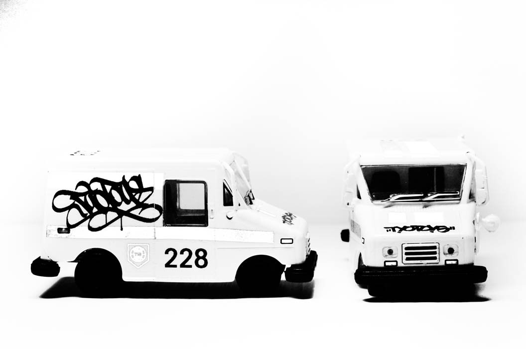 TYOToys mail delivery van 3