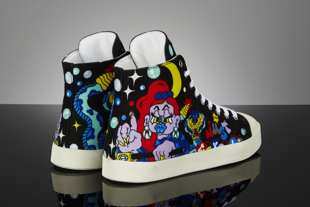 xena just-cavalli-graffiti-sneaker-