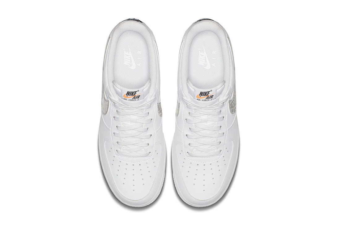Nike Just Do It Sneakers top