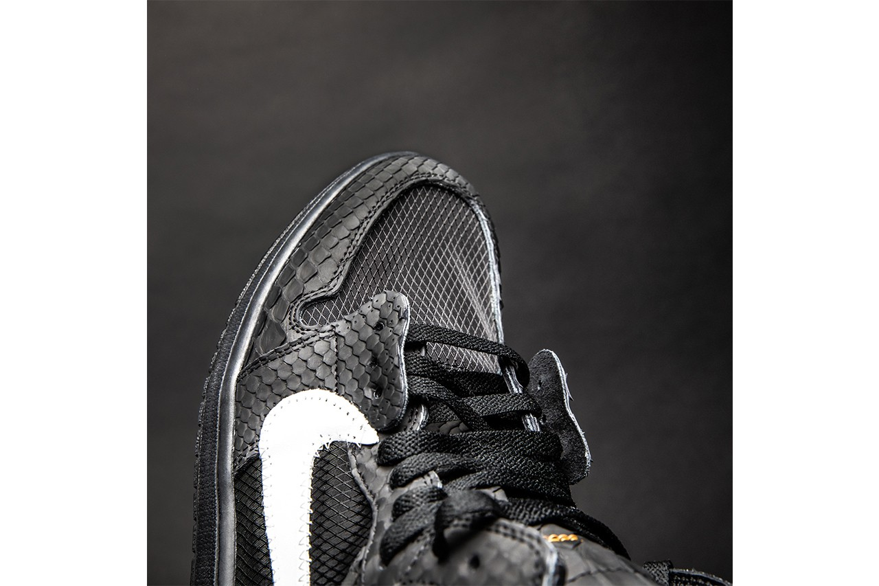 air-jordan-1-rubberized-python toe