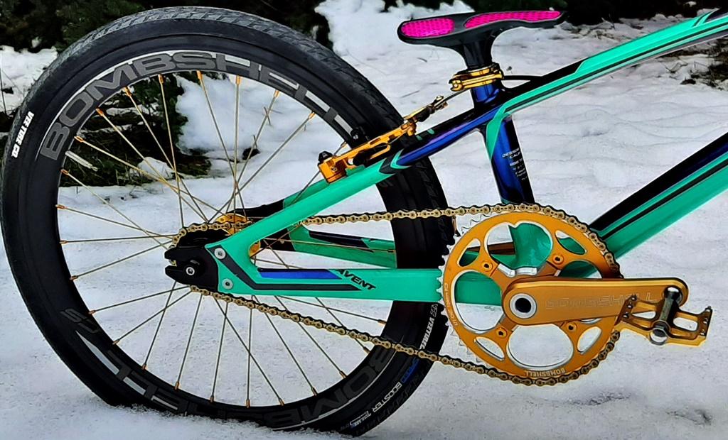 Bombshell cranks, wheels