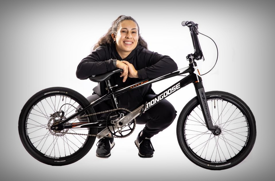 sofia foresta mongoose bmx