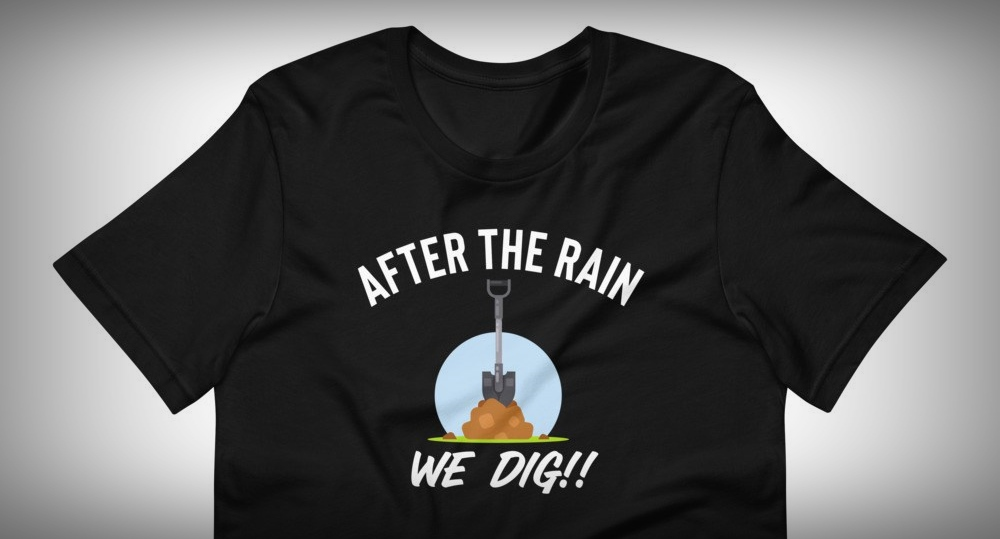trail digging t-shirt
