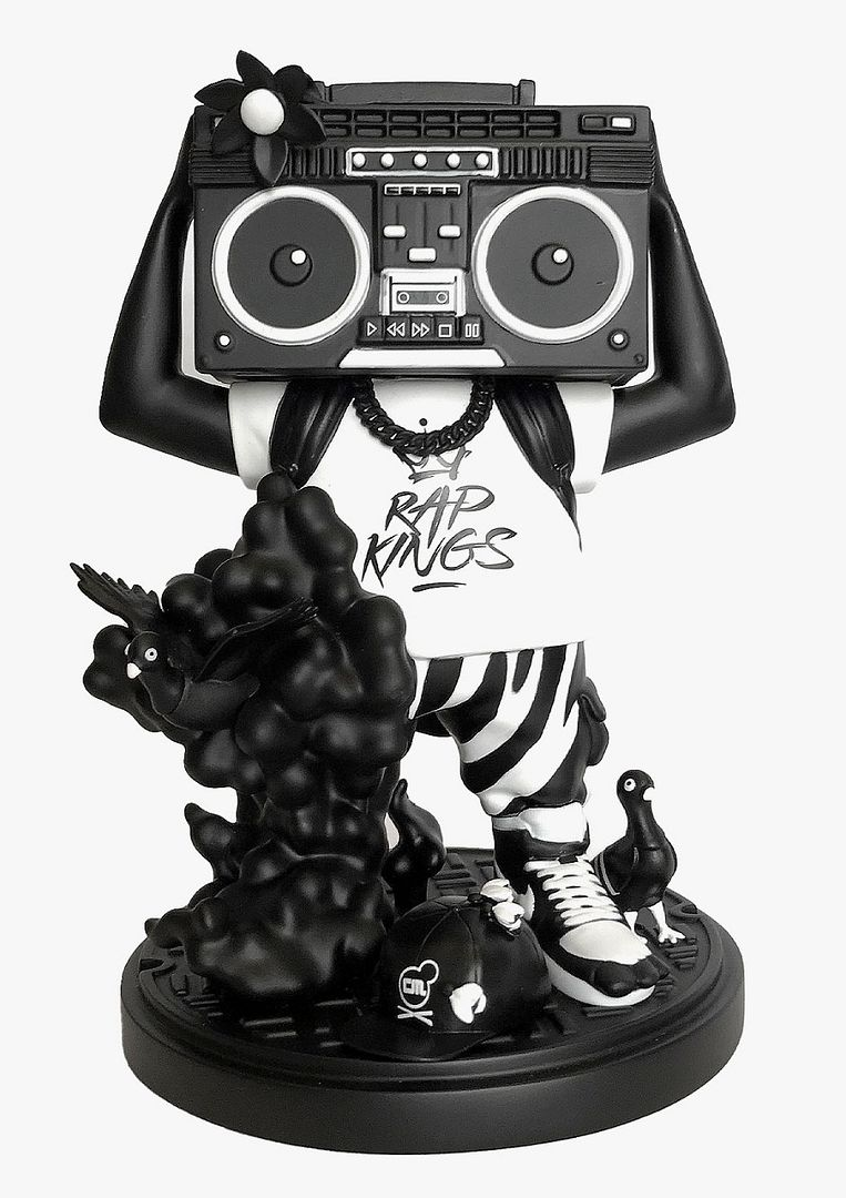 goonbox black & White